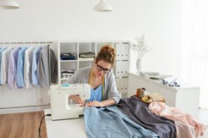 How to Interlock in Sewing Machine